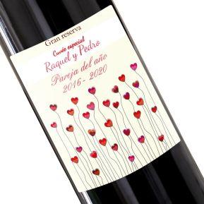 Botella de vino personalizada campo de corazones