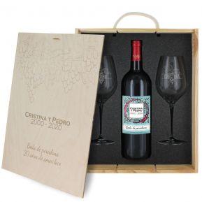 Caja de regalo viñedo : botella de vino y dos copas