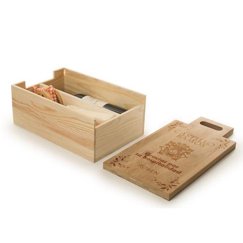 Caja de vino con tabla de cortar grabada