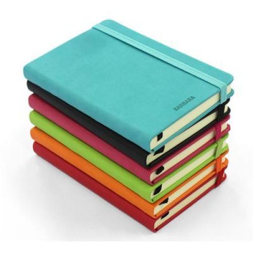 cuaderno de notas en cuero
