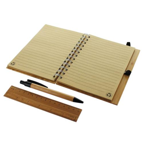 Cuaderno en bambú abierto