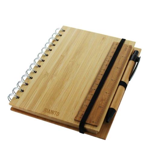 Cuaderno en bambú grabado