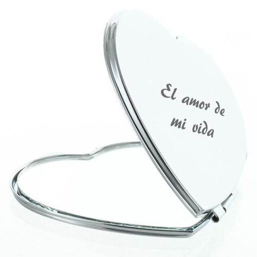 Espejo grabado con forma de corazón