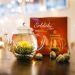 Flores de té mágicas y tetera