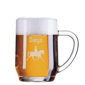Jarra de cerveza de deportista grabada