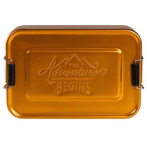 Caja dorada the Adventure Begins