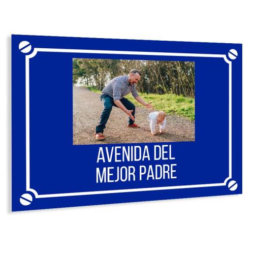 Placa de calle con foto azul marino
