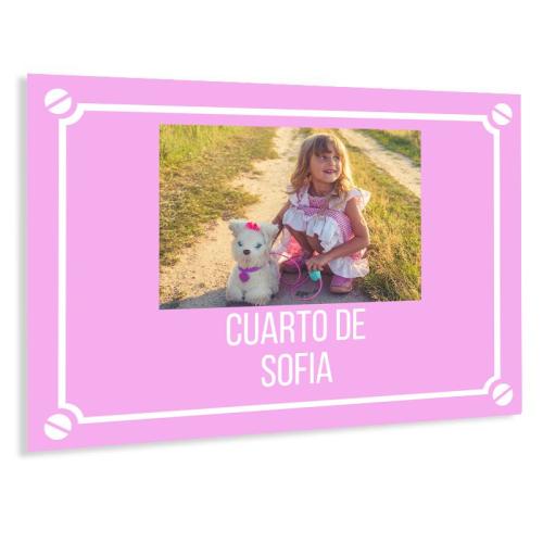 Placa de calle con foto rosa