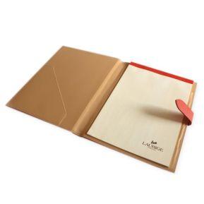 Portafolio sencillo en cuero personalizado