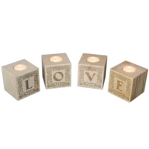 Portavelas cubo de letras grabados