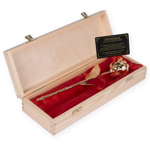 Rosa de oro en su caja