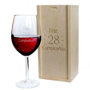 Copa de vino grabada cumpleaños
