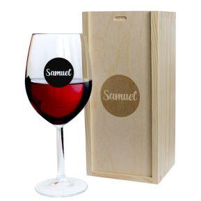 Copa de vino con nombre en círculo