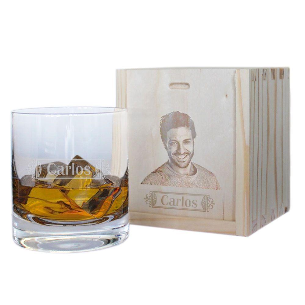 Vaso de whisky personalizado con nombre y su caja con foto